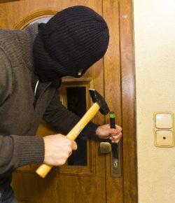 Tipy, jak zabezpečit domov, než vyrazíte na dovolenou