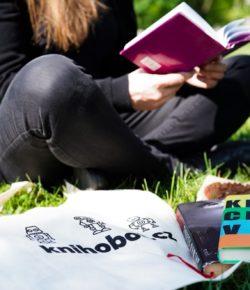 Mladí nečtou? Není to pravda, ukazují data největšího knižního second handu Knihobot